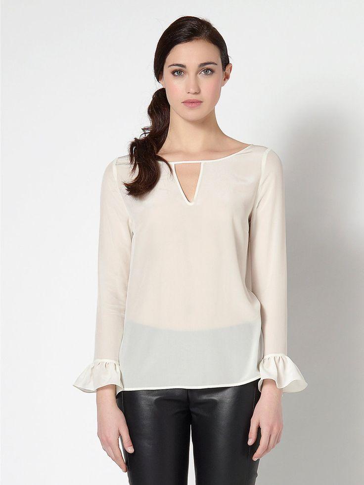 Camicia donna in seta Patrizia Pepe, maniche lunghe, scollo a v, aperta a goccia dietro, taglie disponibili 40, 42, 44, colore bianco