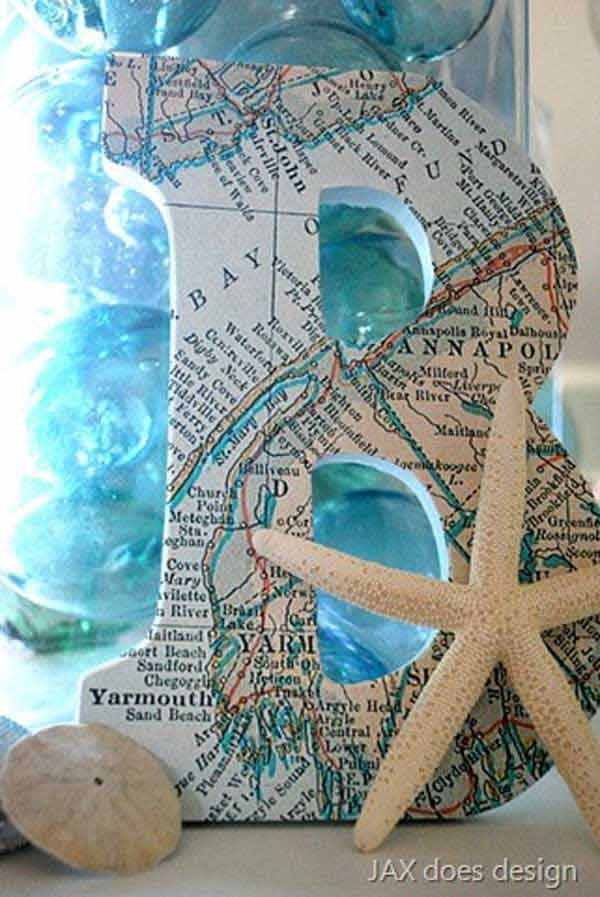 Great idea for maps from the beach. 36 Breezy Beach Inspired DIY Home Decorating Ideas