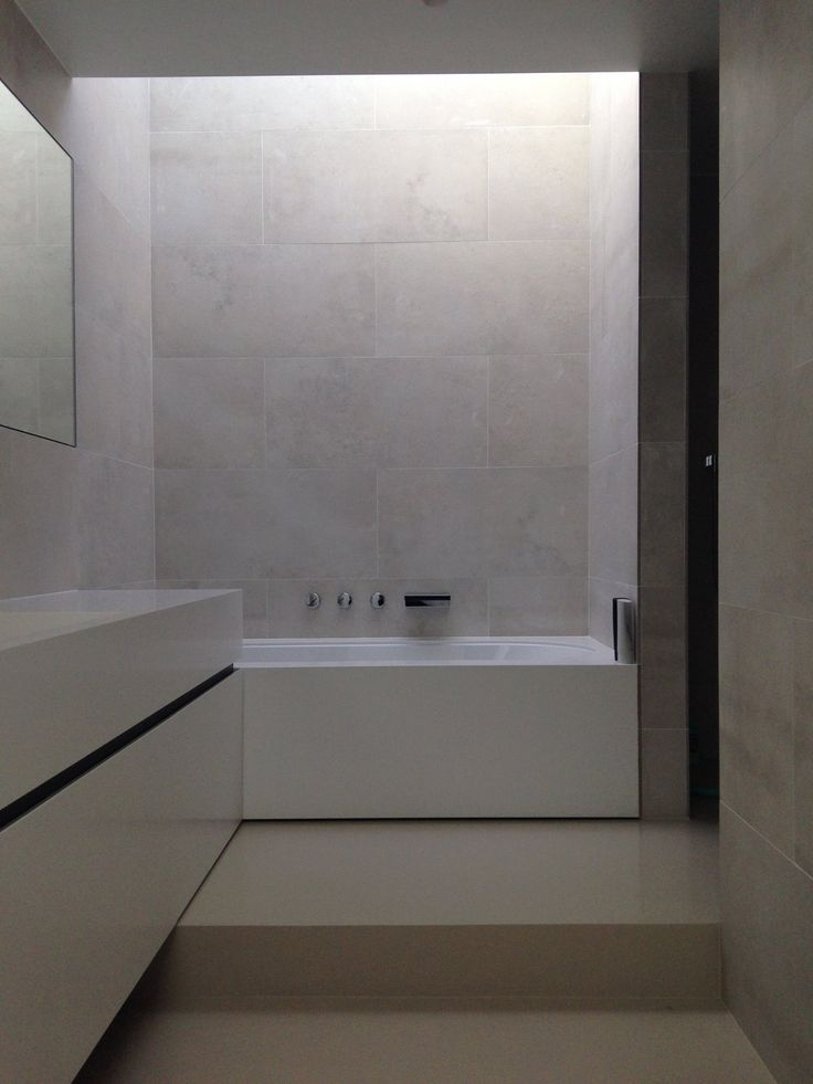 Bathroom by Belgian Architects Reid - Senepart