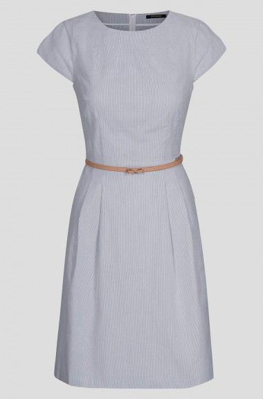 Rozkloszowana sukienka w prążki   ORSAY