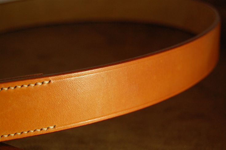 Bakers London Tan Bridle Leather belt with Ecru Lin Cable Hand Stitching. Beautiful and traditional oak bark tanned leather to last a lifetime