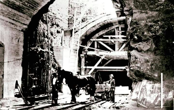 Construction of the Circle Circle in Sydney underground railway line in 1930.