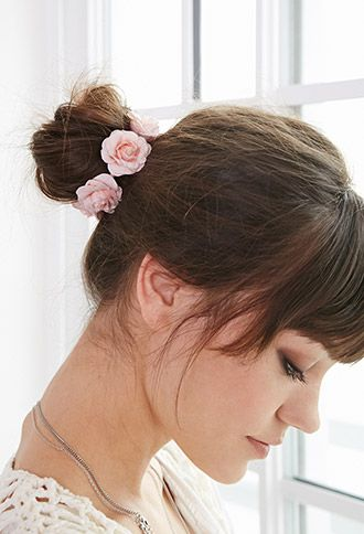 Give your spring look a feminine touch with this floral hair tie. #rosebuds