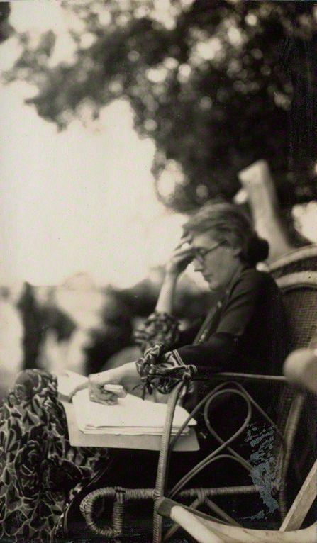 V. Woolf