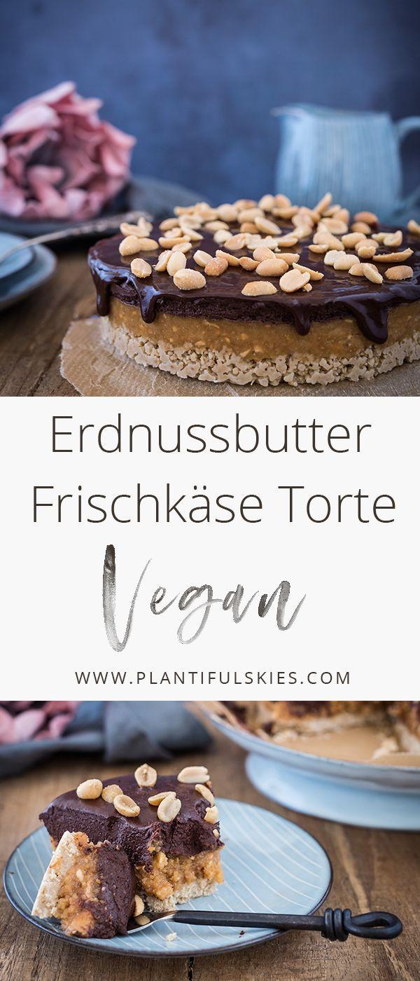 Die vegane No Bake Erdnussbutter Frischkäse Torte mit Schokolade und knusprigem Keksboden ist einfach perfekt wenn es mal schnell gehen muss. Fast Foodporn Deluxe!