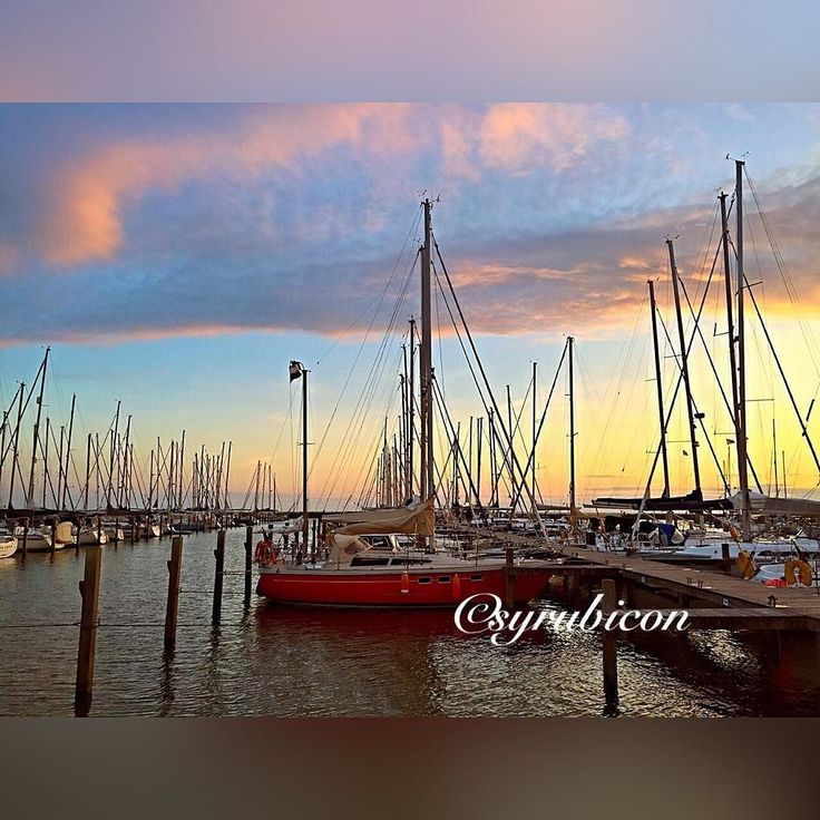 #syrubicon#nature#segeln#instagood#sailing#sailinstagram#netherlands#ijsselmeer#l4l#f4f#ig_myshot#sailboat#blue#sky#sundown#hafen#segelyacht#followme#like4like#nature#water#clouds by syrubicon