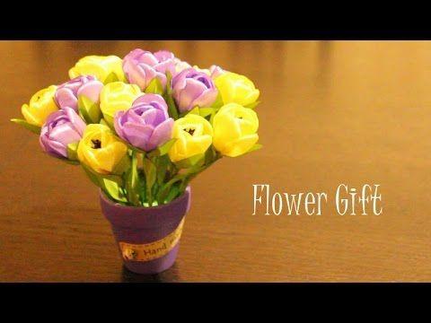 Подарок из Лент Своими Руками / Канзаши Мастер Класс / Цветы из Лент - YouTube