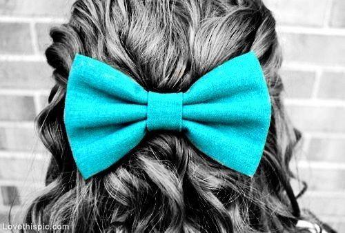 Big Bow in Hair hair pretty bow adorable curly hair hairbow