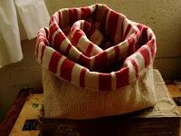 burlapBurlap Baskets, Sewing Projects, Burlap French, Burlap Crafts, Burlap Ideas, Sewing Sewing, Burlap Bags, Burlap Projects, French Style