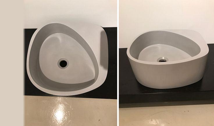 Moab80, Elletre, Lavabo 44x42 cm  rinnovo esposizione 484 euro, iva inclusa 30%sconto trasp.14 e Lavabo da appoggio o sospeso in cemento sintetico colore grigio, senza foro rubinetto.