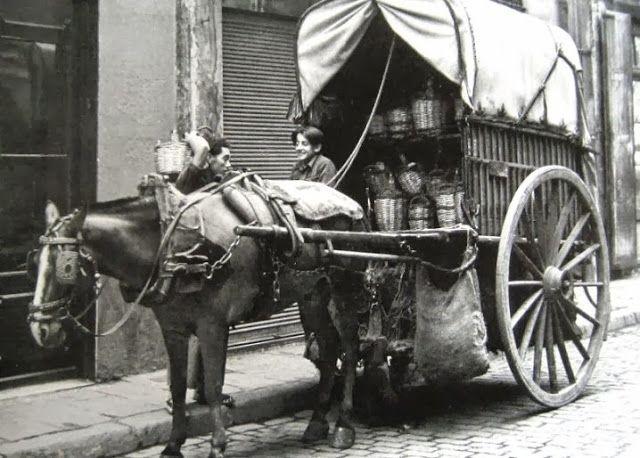 1889 - repartidor de vino y vinagre a domicilio
