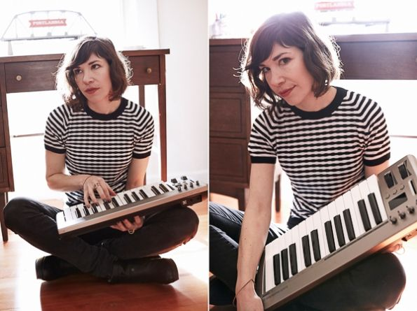 Carrie Brownstein's hair is always so perfect.