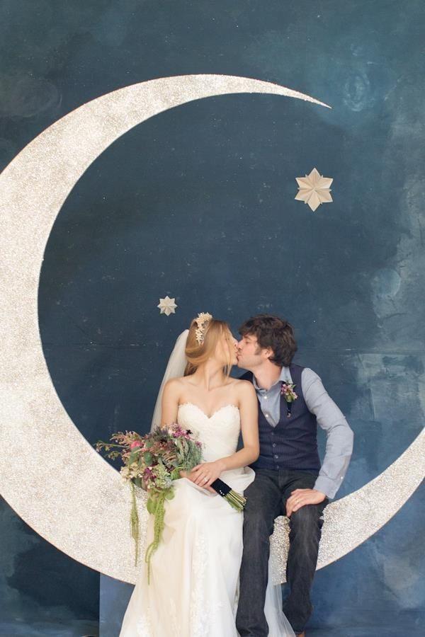 25 best art deco decor ideas on pinterest for Art deco wedding decoration ideas