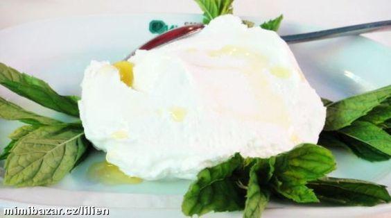 Jedná se o libanonský měkký čerstvý sýr vyráběný z jogurtu – připomíná žervé, Lučinu.<br>Dělávám 2x ...