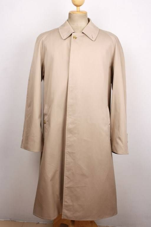 dating a burberry coat Shop women's burberry brit coats on lyst track over 983 burberry brit coats for stock and sale info dating back to the 18th century and traditionally worn by.