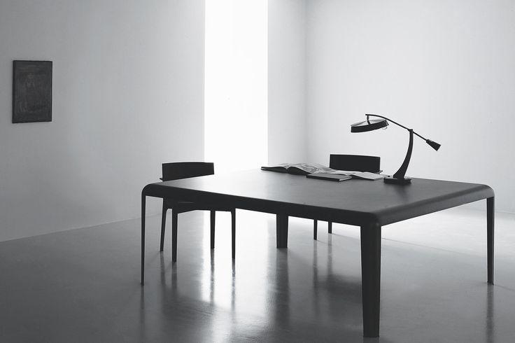 porro ferro - #pierolissoni  #interieurdesign #interieur #wonen #interieurinspiratie #design #interiordesign #tafel #table  #porro www.noctum.nl