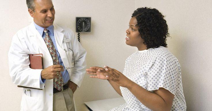 O que esperar de uma consulta com um gastroenterologista. Os gastroenterologistas são médicos especializados no diagnóstico e tratamento de problemas no trato digestório. Os pacientes com problemas no esôfago, estômago, intestino, fígado, pâncreas, vesícula biliar e sistema biliar podem precisar se consultar com um gastro.