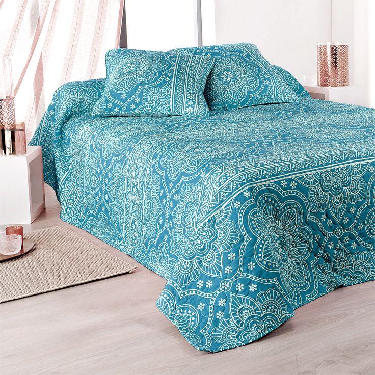 les 25 meilleures id es concernant couvre lit bleu sur. Black Bedroom Furniture Sets. Home Design Ideas