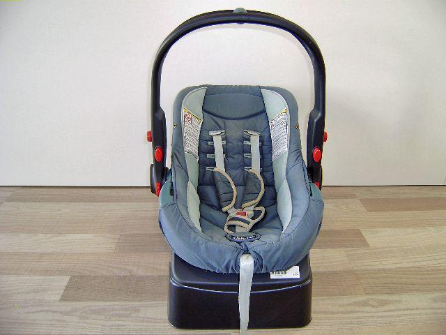 Silla coche Chicco grupo 0 con adaptador, y capota