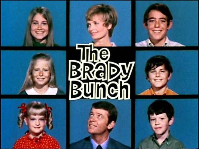 37 Zoom Background Ideas To Make Your Guests Lol Including Kris Jenner S House The Brady Bunch Brady Nostalgia