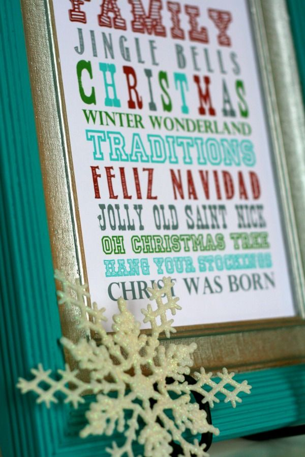 22 free Christmas printables. Just in case you haven't decorated yet like me:)