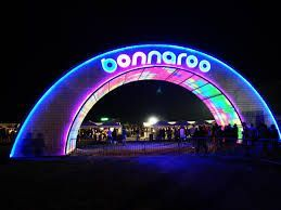 @bonnaroo tickets go on sale in ONE hour (10am EST). Headliners include @eminem @thekillers and @muse. Festival dates this year are June 7-10 (same week as @CMA Festival - eek)! Get tickets and book your stay before everyone else does. :) #bonnaroo #musicfestival #eminem #thekillers #muse