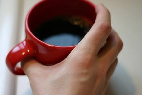 Descubre por qué cuando tomas una taza de café te estás cuidando
