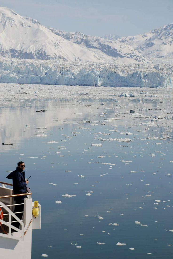 El capitán del #crucero #Silversea admirando el #glaciar #Hubbard #Alaska