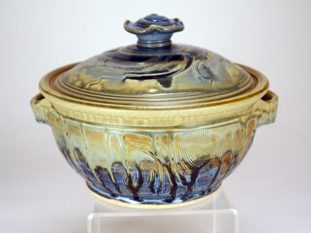 So gorgeous....love these colors..http://www.sanantoniopottery.net/jupgrade/index.php/pottery-display/casserole-ash-rutile-detail