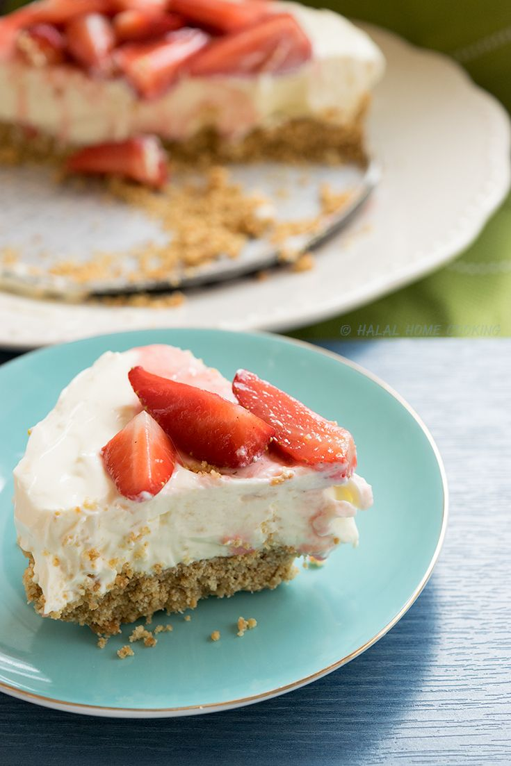 No Bake Cheesecake. The prettiest dessert to come out of my Kitchen so far, possibly the most delicious with all shop bought ingredients! (cringing over here)