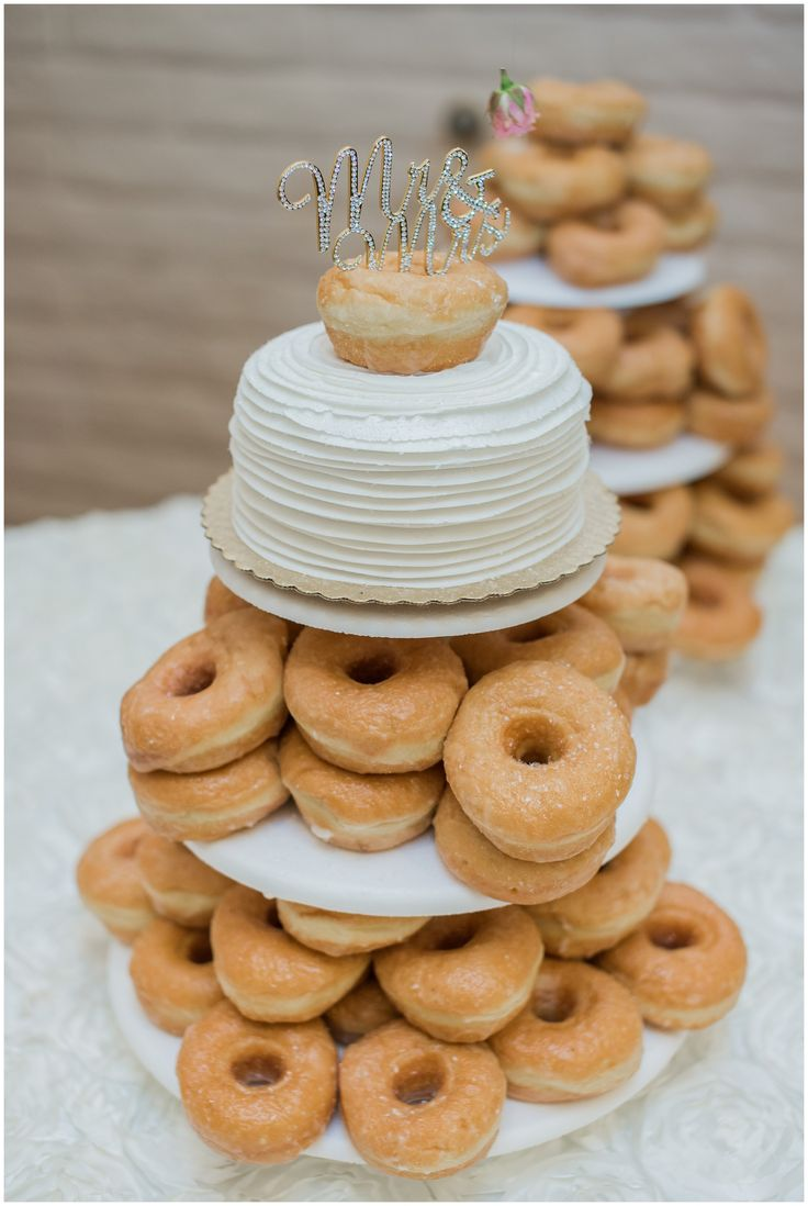 doughnut wedding cake 25 best ideas about donut tower on champagne 13710