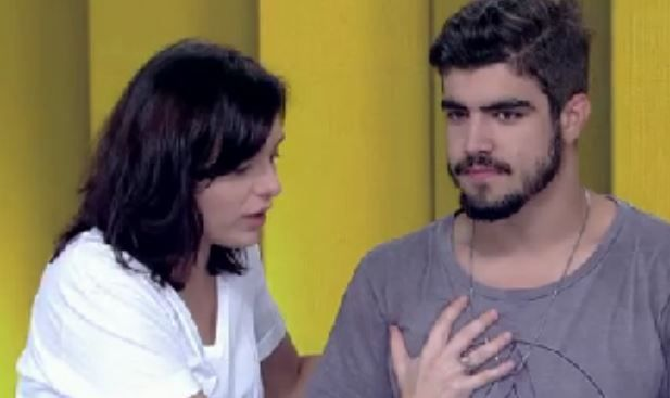 """Monica apalpa peitoral de Caio Castro: """"Diferença de quem não tem hidrogel"""" #Apresentadora, #Ator, #Atriz, #Band, #Brasil, #Brincadeira, #CQC, #Fotos, #Globo, #Namoro, #Novela, #Novo, #Peito, #Programa, #RioDeJaneiro, #Show, #Solteira http://popzone.tv/monica-apalpa-peitoral-de-caio-castro-diferenca-de-quem-nao-tem-hidrogel/"""