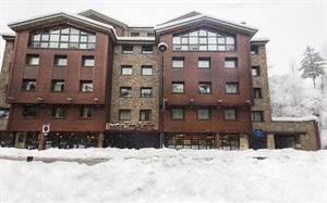 Andorra Andorra La Massana  In dit centraal gelegen hotel zijn alle middelen aanwezig voor een geslaagde vakantie. Het hotel ligt vlakbij de skilift en ook de supermarkt is om de hoek. Begin de dag goed met een uitgebreid...  EUR 645.00  Meer informatie  #vakantie http://vakantienaar.eu - http://facebook.com/vakantienaar.eu - https://start.me/p/VRobeo/vakantie-pagina