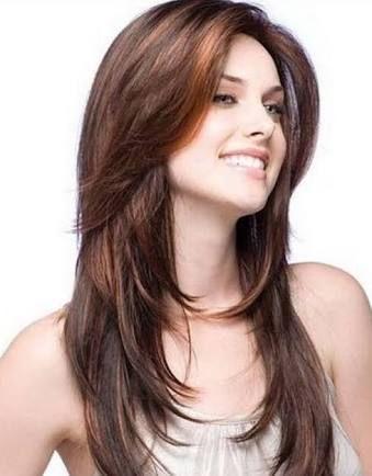 Corte de cabello lacio y grueso