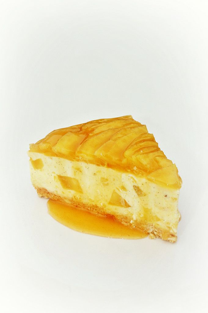https://flic.kr/p/tUgTPj | Mango Cheesecake [3/3] | Interior shot.