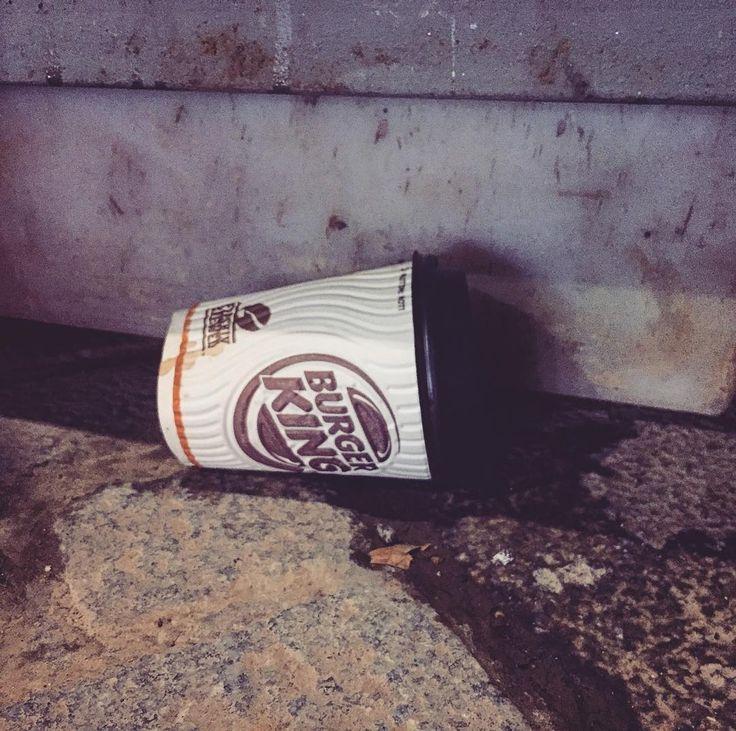 #burgerking #ReuseCoffeeCup #london #travelling #weekendbreak  #reuse #zerowaste #recycle #sustainability #encouragement #please #pickupyourtrash #trash #rubbish #paper #plastic #environmental #pollution #saveourseas #saveearth #saveourwater #eco #ecology #uk #england #city #autumn #awareness