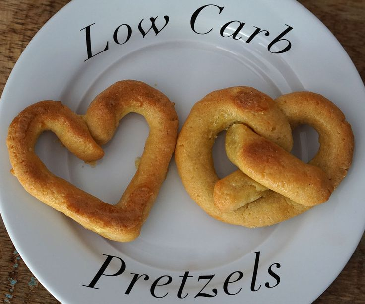 *Yields 5 pretzels Ingredients 2 eggs 1 1/2 cup almond flour 3 tbsp coconut flour 1 tbsp coconut oil 1/2 tsp salt An extra egg   Instructions Preheat oven to 400F, and grease a cookie sheet with some butter or coconut oil. Mix the almond flour with coconut oil, and salt. Then beat the …