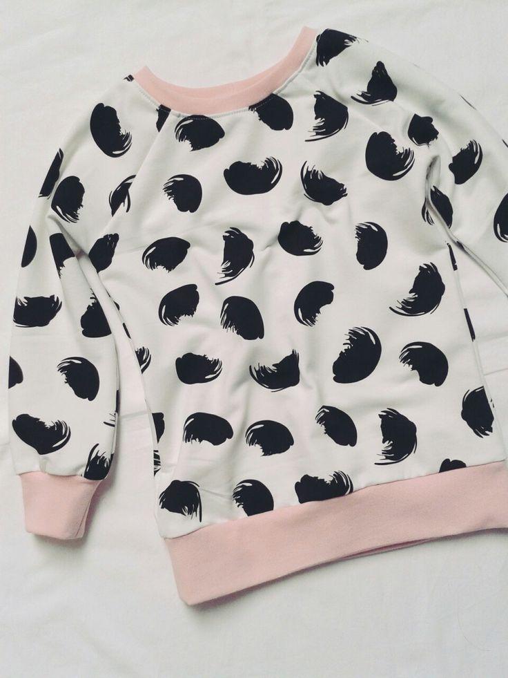 Lange meisjes trui in flurry bio sweat van Ikasyr uit Finland