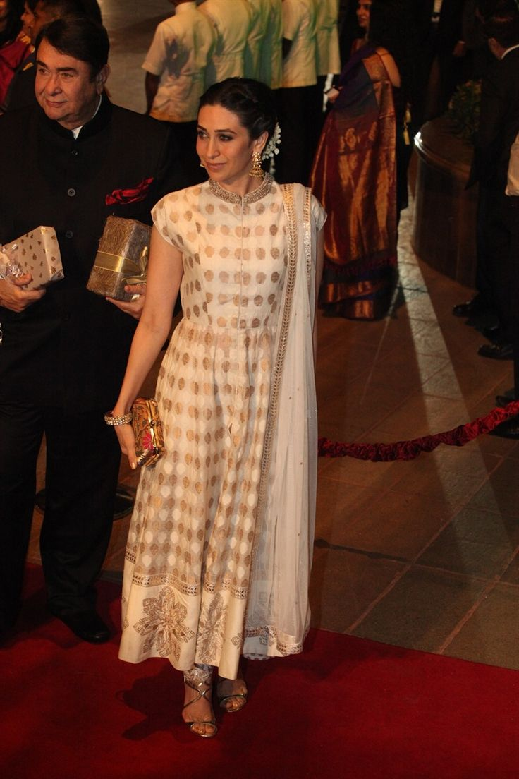 Kareena Kapoor in a white salwar kameez at Arpita Khan's wedding reception