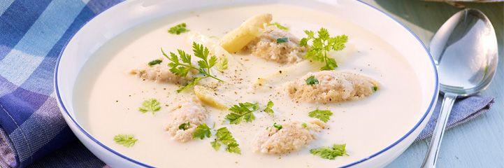 Rezept: Spargelcrèmesuppe mit Schinken-Bärlauch-Nocken