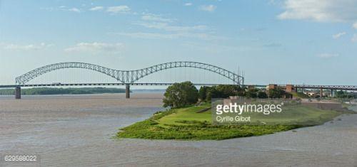 The Hernando de Soto Bridge is a through arch bridge carrying... #soto: The Hernando de Soto Bridge is a through arch bridge… #soto