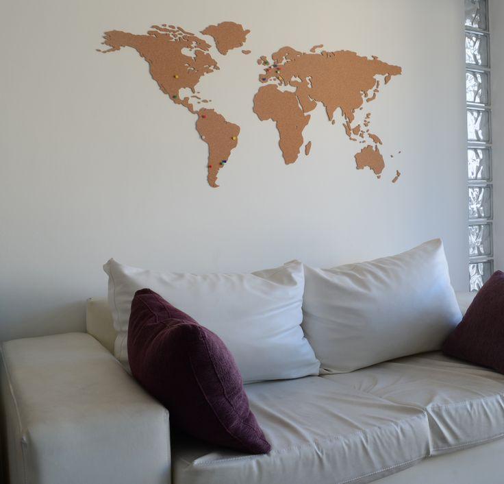 Planisferio de corcho para marcar los destinos visitados.