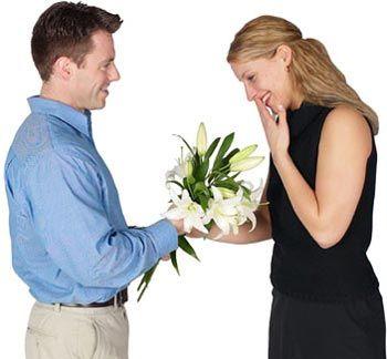 يساعدك الزواج السعيد على أن تبقى سعيداً وسليماً وحكيماً خلافاً للزواج التعيس . لكن الأبحاث تشير للأسف إلى أن رضا الناس عن حياتهم الزوجية يتراجع مع مرور الوقت . ولعل أحد الأسباب يكمن في أنهم لا ينظر…