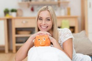 Eine günstige Finanzierung ist über das Internet innerhalb weniger Minuten gefunden. Nutzen Sie die Möglichkeit einen Vergleich der Kreditanbieter und aktuellen Kreditzinsen für die individuell gewünschte Kreditsumme zu machen. Wir haben die besten Kreditanbieter getestet und geben hilfreiche Tipps zum Online Kredit. http://www.guenstigefinanzierung.net/