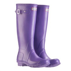 I have these boots, but in Aubergine! They are splendid.