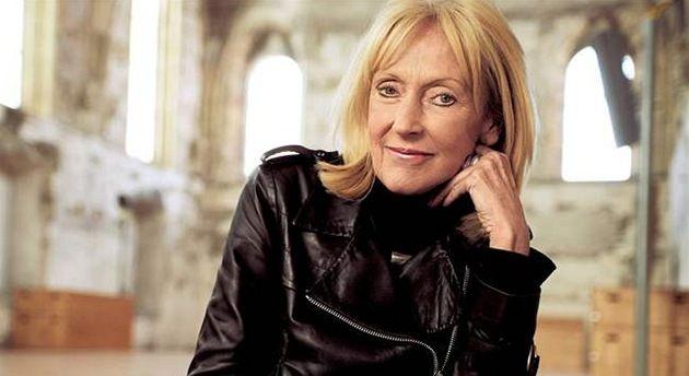 Prof. Ing. arch.[1] Eva Jiřičná, CBE, (* 3. března 1939 Zlín) je světoznámá britská architektka a designerka českého původu.- Architect