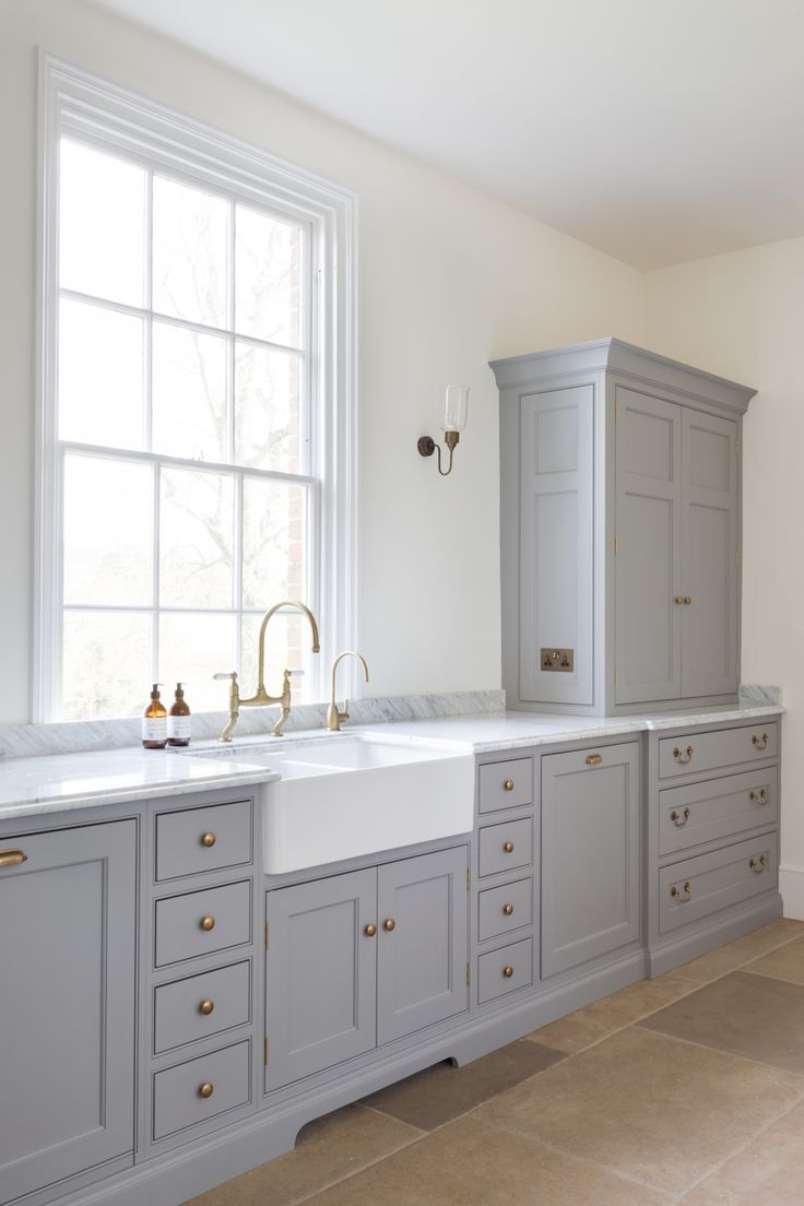 Aged Brass Perrin & Rowe Taps - Humphrey Munson Kitchens