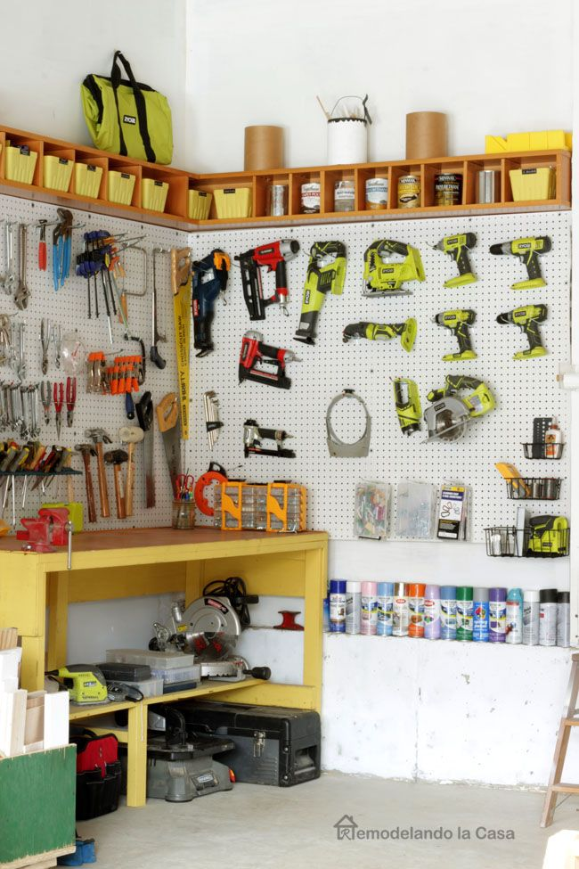 Remodelando la Casa: Garage Organization - How to Install a Pegboard#more#more