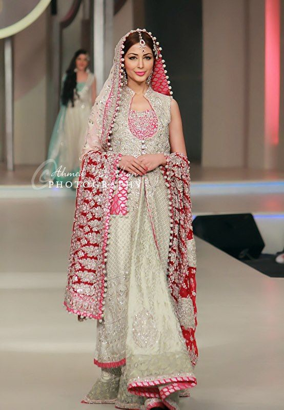 Fancy Zainab Chottani recently showcased her latest and very stunning collection at Pantene Bridal Couture week which was held in Karachi on April