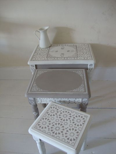 Moroccan style stenciled furniture. Stencils from #TheStencilLibrary stencilled by Helen Morris at The Stencil Library, UK.